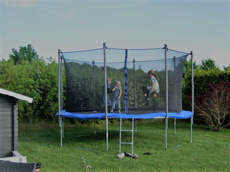 How to Put a Trampoline Together